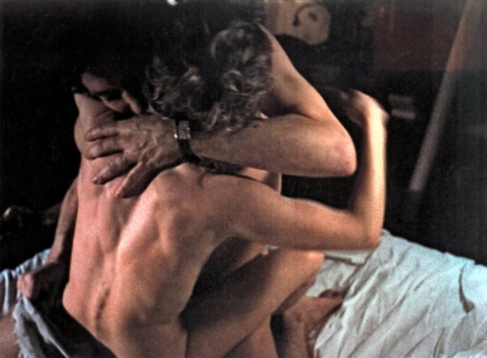 dont-look-now-1973-006-sex-scene-00n-rme